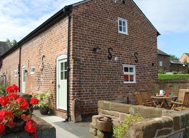 Lower House Farm Cottages - Tarporley - Visit Cheshire