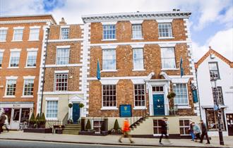 The Townhouse Chester, perfectly situated in Chester city centre