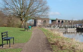 Hunts Lock to Blue Bridge Circular Walk