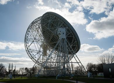 The Lovell Telescpope at Jodrell Bank Discovery Centre