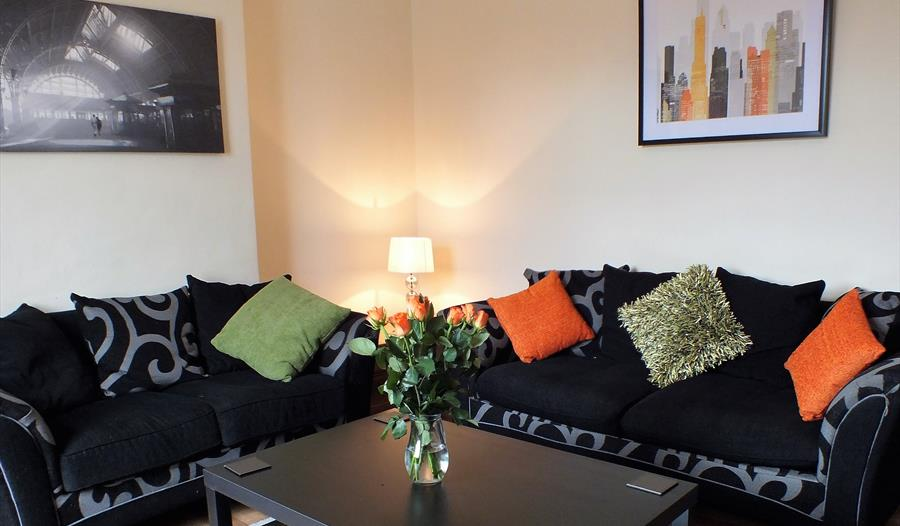 SG Serviced Accommodation - 9 Hungerford Road