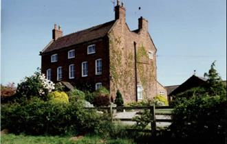 Domvilles Farm Bed & Breakfast